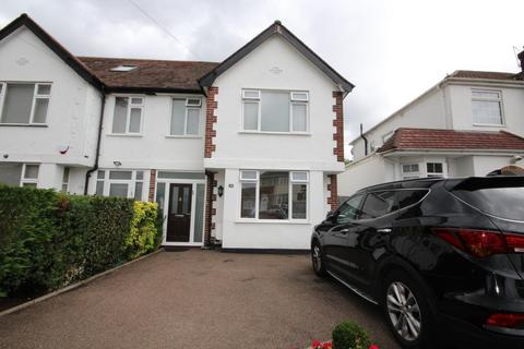 3 bedroom semi-detached house for sale - Windsor Avenue, Edgware, Middlesex, HA8 8SR