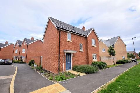 3 bedroom detached house for sale - Topaz Lane, Aylesbury