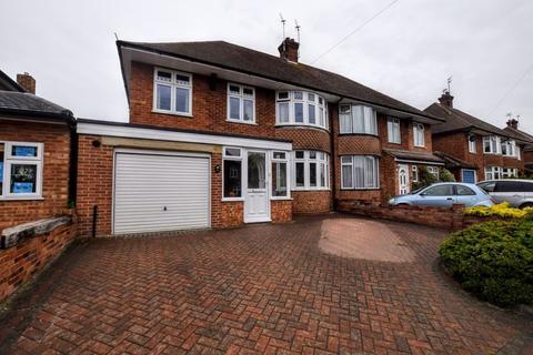 4 bedroom property for sale - Broughton Avenue, Aylesbury
