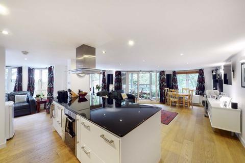 2 bedroom flat for sale - Finch Lodge, London, W9