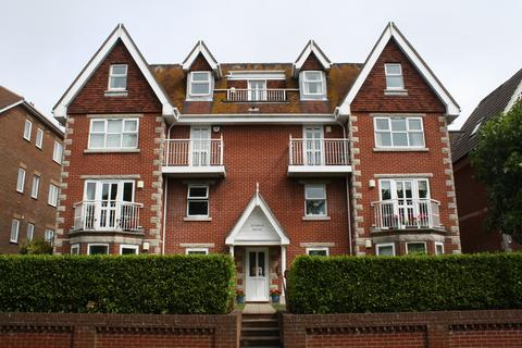 2 bedroom flat for sale - Gilbert Road, Swanage, BH19
