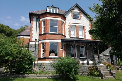 6 bedroom house - Barmouth