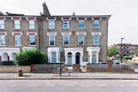 2 bedroom flat to rent - Victoria Road, Stroud Green