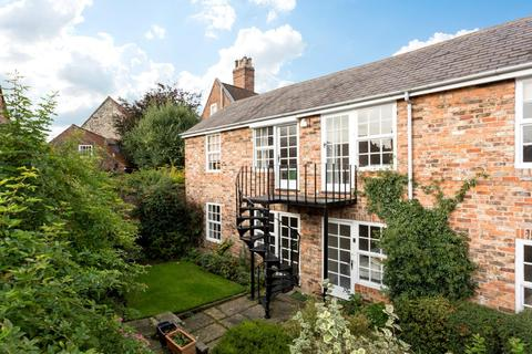 2 bedroom flat for sale - St. Andrewgate, York