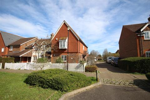3 bedroom semi-detached house for sale - Fawn Rise, Henfield