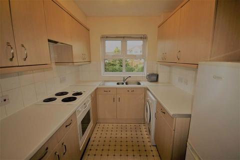 2 bedroom flat to rent - Burleigh Gardens, Woking, Surrey