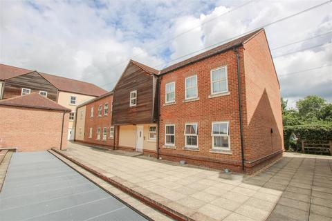 2 bedroom flat for sale - Pine Street, Aylesbury