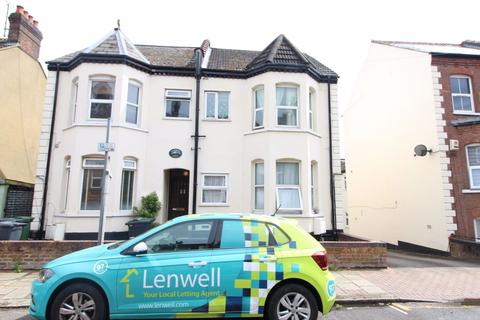 1 bedroom flat to rent - 1 Bed Apartment with loft storeage P10997