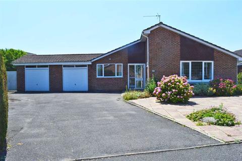 4 bedroom detached bungalow for sale - De Haviland Close, Wimborne, Dorset