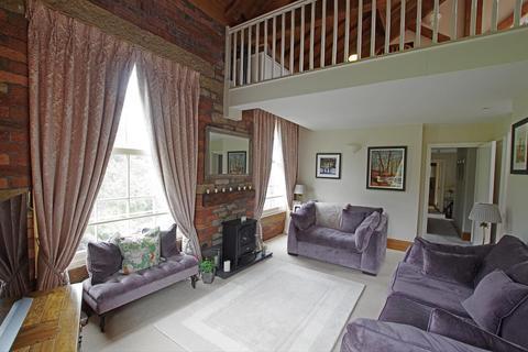 3 bedroom apartment for sale - Beestonley Lane, Barkisland, Halifax