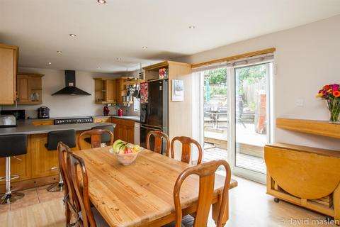 4 bedroom house for sale - Southall Avenue