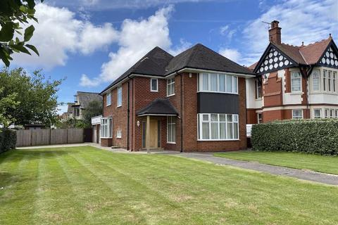 3 bedroom detached house for sale - Clifton Drive, Fairhaven