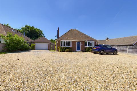 3 bedroom detached bungalow for sale - Byfleet Avenue, Old Basing, Basingstoke