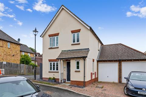 3 bedroom detached house for sale - Badgers Den, ASHFORD