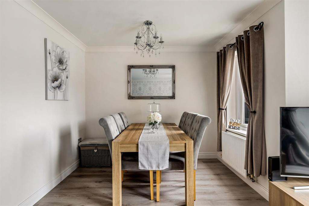 Dining Area (2).jpg