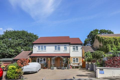 5 bedroom detached house for sale - a Ely Place, Woodford, IG8