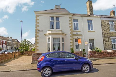 4 bedroom terraced house for sale - Linskill Place, North Shields, Tyne and Wear, NE30 2HW