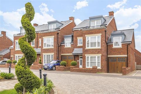 4 bedroom townhouse for sale - Foley Avenue, Westwood Park, Beverley, HU17 8FA