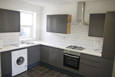 3 bedroom flat to rent - Barking Road , Plaistow, London. E13