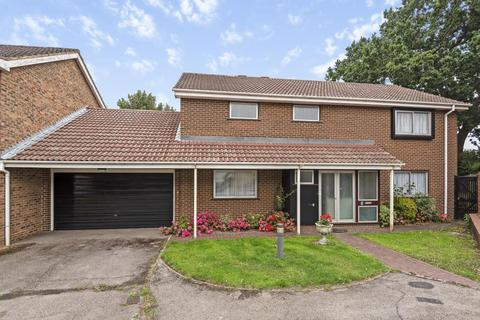4 bedroom detached house for sale - Underhill Close, Maidenhead, SL6