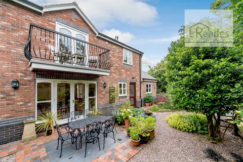 3 bedroom detached house for sale - Stag's Head Courtyard, Hawarden CH5 3