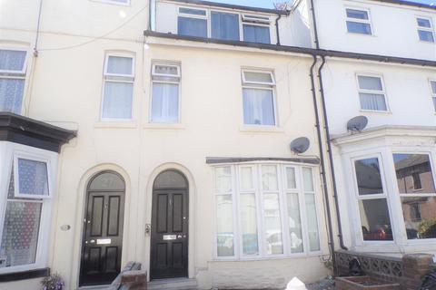 Studio to rent - Hill Street , Blackpool  FY4