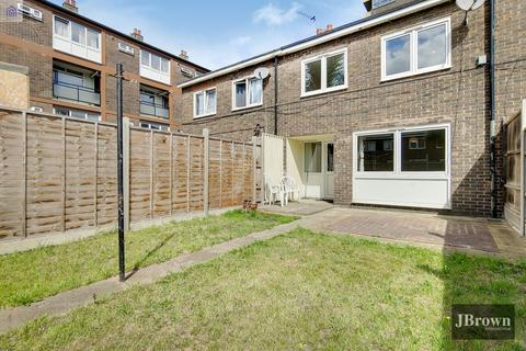 4 bedroom terraced house for sale - Woodall Close, London E14
