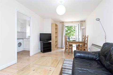 1 bedroom ground floor flat to rent - Glaisher Street London SE8