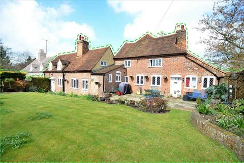 4 bedroom semi-detached house for sale - Queen Anne Cottage, Upper Highway, Kings Langley