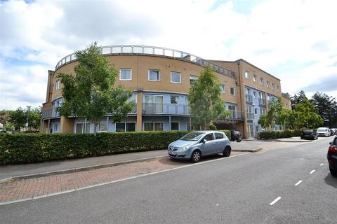2 bedroom apartment for sale - Wooldridge Close, Bedfont