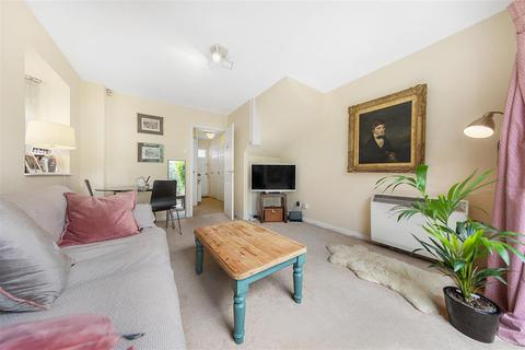 2 bedroom end of terrace house for sale - Winders Road, SW11