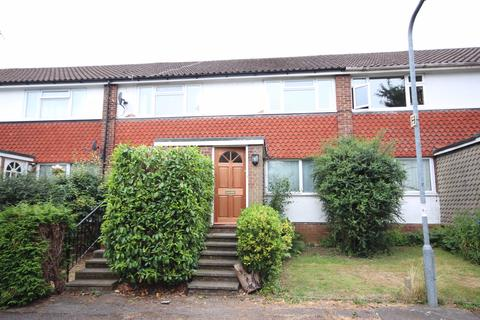 2 bedroom maisonette to rent - Ray Park Avenue, Maidenhead