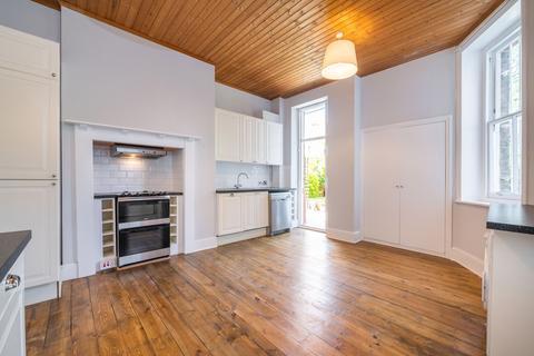 2 bedroom flat for sale - Elgin Mansions, Elgin Avenue, London