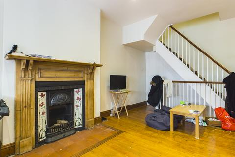 2 bedroom end of terrace house to rent - Upper Market Street, Hove BN3