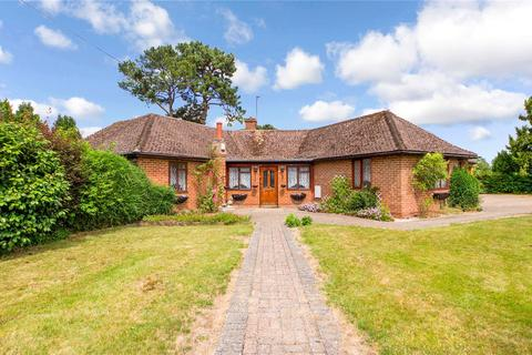 3 bedroom bungalow for sale - Long Lane, Tilehurst, Reading, Berkshire, RG31