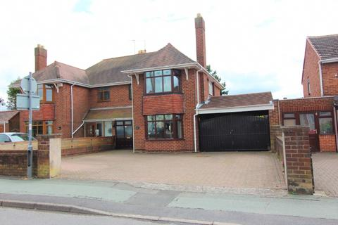 3 bedroom semi-detached house for sale - Vaughan Road, Willenhall
