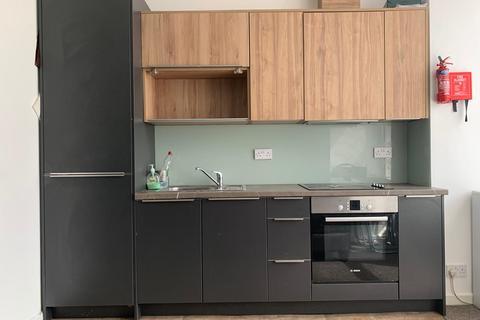 3 bedroom flat to rent - Upper Brook Street, M13 0HL