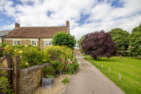3 bedroom cottage for sale - The Green, Stoford, Somerset