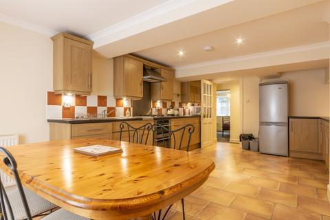 3 bedroom flat to rent - Duke Place, Edinburgh EH6