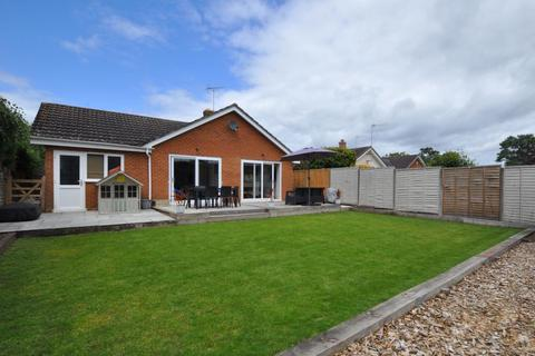3 bedroom detached bungalow for sale - St Ives, Ringwood, BH24 2LG