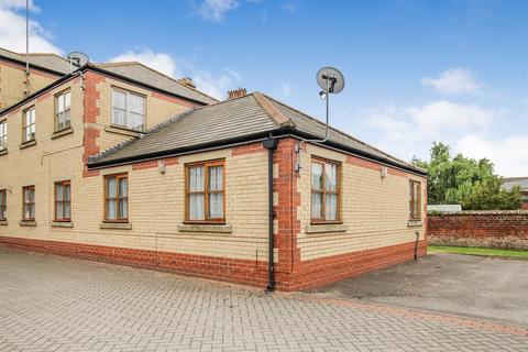 1 bedroom ground floor flat for sale - Queens Court, Victoria Road, Bridlington, YO15 2BW