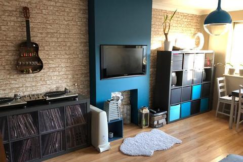 2 bedroom flat to rent - Feltham, TW14