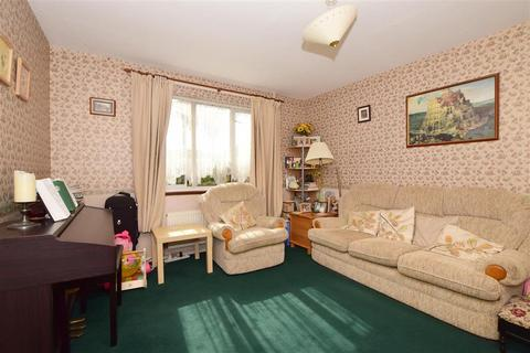 3 bedroom end of terrace house for sale - Rothbrook Drive, Kennington, Ashford, Kent