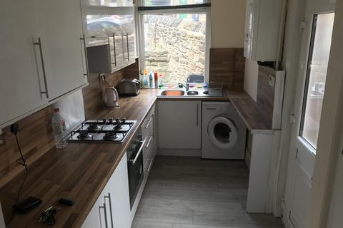 4 bedroom end of terrace house to rent - Barber Place, Crookesmoor, Sheffield S10