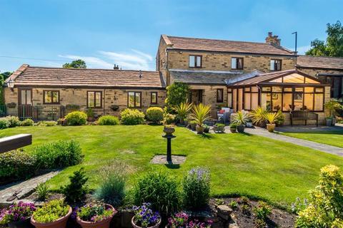 3 bedroom semi-detached house for sale - Woodhall Hills, Calverley, LS28