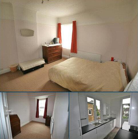 3 bedroom apartment for sale - Kenmure Mansions, Pitshanger Lane, Ealing, London W5