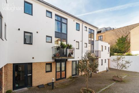 2 bedroom terraced house to rent - Castle Mews, Brighton, BN1