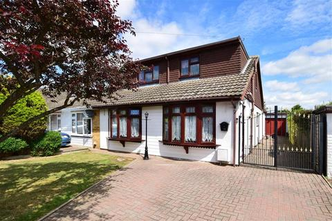 4 bedroom semi-detached bungalow for sale - Astor Road, West Kingsdown, Sevenoaks, Kent