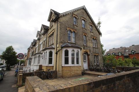 6 bedroom end of terrace house to rent - Western Road, Oxford