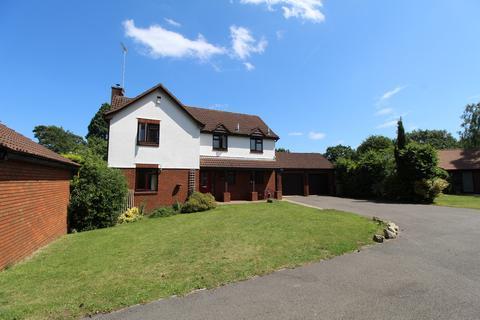 4 bedroom detached house to rent - Charlton Park, Cheltenham